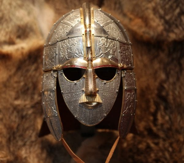 Sutton-Hoo-mask-800x533